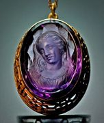 antique cameos - amethyst cameo - antique victorian cameo jewelry - gold pendant 1890 with carved amethyst classical cameo of a lady