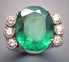 Brazilian emerald and diamond ring