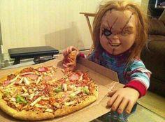 I love Pizza Scary Movies, Horror Movies, Chucky Drawing, Bride Of Chucky, I Love Pizza, Fright Night, Creepy Dolls, Hawaiian Pizza, Vegetable Pizza