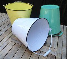 Enamel buckets - colours