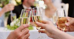 ¿Cómo elegir el #vino perfecto y más adecuado para una #boda?  Es tiempo de bodas, y en el banquete un elemento muy importante será el vino. Como cada detalle en esta celebración, todo debe estar cuidado al milímetro, y a veces elegir el vino no es tarea sencilla.