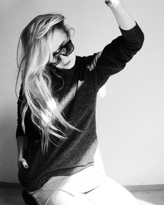 a dream in grey: hemp sweater and a skirt preview. chalk or anthracite. mizzuu x dfy 2018  shop nao and follow @mili_november!  . . #autumn #grey #minimal #fashion #design #cotton #streetstyle #fashionista #fashiongram #love #musthave #inspiration #photooftheday #frankfurt #zurich #hongkong #goldensummer #defygravity #style #look #hemp #clothing #sustainablefashion #blackandwhitephotography #streetfashion #urban #slowfashion #vogue #streetwear #blonde Zurich, Minimal Fashion, Frankfurt, Slow Fashion, Black And White Photography, Sustainable Fashion, Hemp, Must Haves, Streetwear