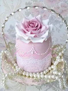https://flic.kr/p/9fiL2P | wedding minicake tea rose | check out my blog at www.cakesbytess.blogspot.com
