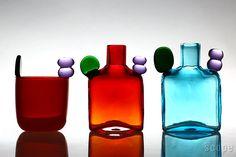 iittala / Birds by Toikka PomPom Bottle & Bambu 2015 Glass Design, Design Art, Cut Glass, Glass Art, Aalto, Kosta Boda, Colored Glass, Towers, Plating