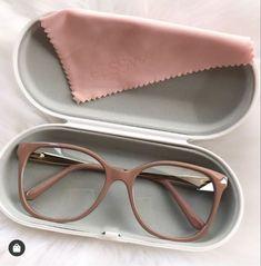 Glasses Frames Trendy, Cool Glasses, New Glasses, Fancy Jewellery, Stylish Jewelry, Glasses Trends, Fashion Eye Glasses, Blind, Sunglasses