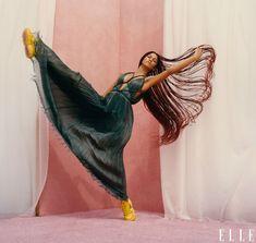 Zendaya on Emmy Win, Filming Malcolm & Marie, and Euphoria Season 2 Lux Fashion, Dope Fashion, Fashion News, Miami Fashion, Fashion Beauty, Dior Dress, Elle Magazine, Magazine Covers, Editorial Fashion