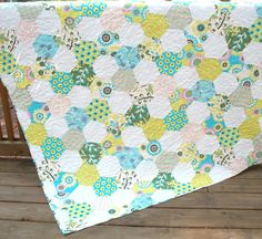 Sugar Pop Large Lap Quilt 60 x 66 by warmnfuzzies on Etsy. This geometric hexagon lap quilt was made using the Sugar Pop collection by Moda. The lime green and aqua colors make this a fun and cheery quilt, Hexagon Pattern, Hexagon Quilt, Hexagon Patchwork, Hexagons, Quilting Designs, Quilt Design, Sugar Pop, Cute Quilts, Shirt Quilt