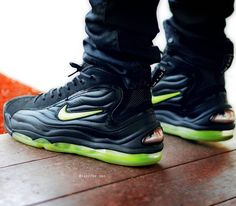 "Nike Air Total Max Uptempo LE ""Volt"""