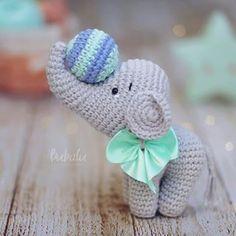 Photos and Videos Crochet Elephant, Crochet Bunny, Love Crochet, Crochet Gifts, Crochet Animals, Crochet For Kids, Crochet Dolls, Crochet Yarn, Amigurumi Patterns