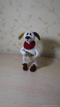 """Купить Символ года собака """"С Новым годом"""" валяная игрушка в интернет магазине на Ярмарке Мастеров"""