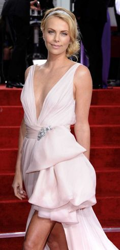 Charlize Theron...loved this Golden Globes dress. Charlize + Dior = AMAZEBALLS!