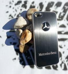Mercedes zwart.