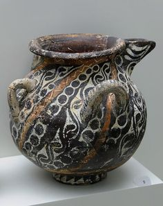 Minoan Art Pottery