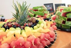 Check this out for many creative college graduation party ideas full of DIY projects and graduation party dessert ideas. Make these rainbow fruit skewers for an easy finger food. Hawiian Party Food, Easy Party Food, Christmas Party Food, Halloween Food For Party, Lularoe Party, Octonauts Party, Diwali Party, Octoberfest Party, Graduation Party Foods