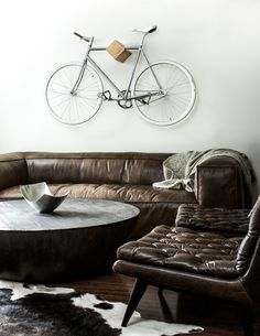 Start-up bicycle brand Ono Cycle has released a set of wall mounts that save space by storing and displaying bikes.
