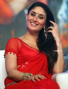 Bollywood Heroine Kareena Kapoor In Red Saree Blouse At Ra One Movie Songs Launch. #KareenaKapoor