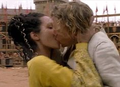 Pin for Later: The Best Movie Kisses of All Time A Knight's Tale Peasant-turned-knight William (Heath Ledger) falls head over heels for the lovely Jocelyn (Shannyn Sossamon). Heath Ledger, Iconic Movies, Good Movies, Taurus Horoscope Today, Taurus Taurus, Shannyn Sossamon, Lizzie Mcguire Movie, Movie Kisses, A Knight's Tale