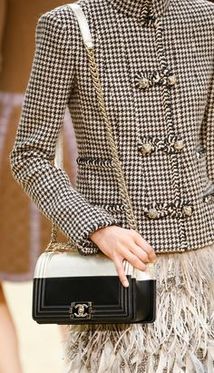 Chanel Fall-Winter 2015.16 RTW.