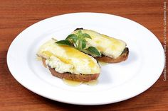 Acetto Ristorante (jantar)  Bruschetta Acetto  Pão, queijo brie, pesto e mel