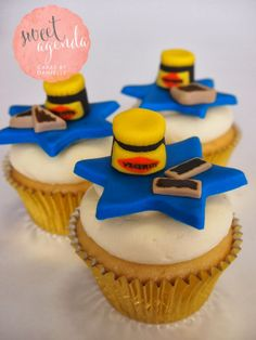 Australia day cupcakes Gallery Australia Day Celebrations, Travel Oz, Anzac Day, Bbq Ideas, National Holidays, Biscuit Cookies, Themed Cakes, Cupcake Toppers, Food Inspiration