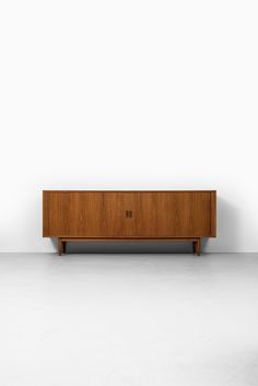 Arne Vodder sideboard in teak at Studio Schalling