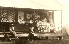 african american women with wonderful quilts