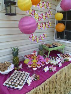 Hawaiian party themed dessert table/ love the tray table idea Hawaiin Theme Party, Aloha Party, Hawaiian Luau Party, Luau Theme, Hawaiian Birthday, Hawaiian Theme, Luau Birthday, Tiki Party, Tropical Party