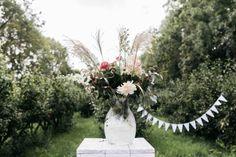 &SUUS Interieuradvies & Styling | Boomgaard Bruiloft | Foto's: Vier de Liefde Fotografie | Bloemen: Flowermoment