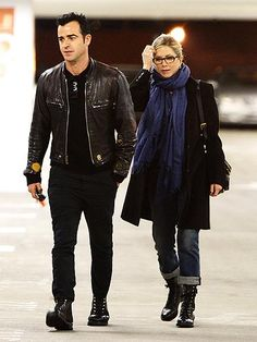 Jennifer Aniston in solid scarf standby Chan Luu.
