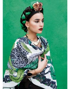 http://www.international-contents.com/gala-beauty-inspiration-frida-kahlo-2.html