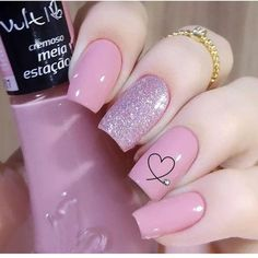 Semi-permanent varnish, false nails, patches: which manicure to choose? - My Nails Elegant Nails, Classy Nails, Simple Nails, Trendy Nails, Pink Nails, My Nails, Pink Nail Art, Hair And Nails, Nail Art Designs Videos