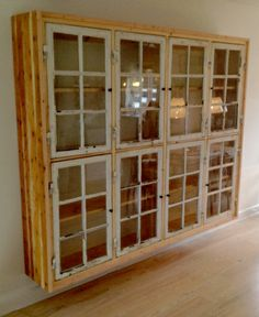 Cabinet made from old windows. Window Furniture, Diy Furniture, Furniture Makeover, Old Windows, Easy Woodworking Projects, Home Living, Repurposed, Sweet Home, New Homes