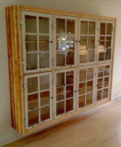 Ide: bygges bag køkkenet, hvor klaveret står - til glas fra skænken...
