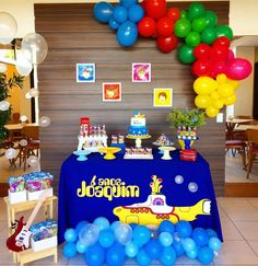 Beatles Birthday Party, Twin Birthday, 4th Birthday Parties, Bolo Dos Beatles, Beatles Cake, Yellow Submarine Cake, 1st Birthday Photoshoot, Music Themed Parties, Sweet 16 Parties