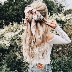 Beauty Ideas That Are Perfect For New Years Eve 69 Summer Hairstyles 2019 Freedom in Hair Do Scarf Hairstyles, Messy Hairstyles, Summer Hairstyles, Pretty Hairstyles, Hairstyle With Bow, Hairstyle Ideas, Look Festival, Festival Fashion, Festival Clothing