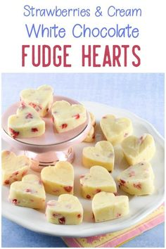 3 ingredient Strawberries and Cream White Chocolate Fudge Hearts recipe -easy homemade Valentines gift idea for kids to make homemadevalentines Valentines Day Chocolates, Valentines Day Food, Homemade Valentines, Valentines Recipes, Dark Chocolate Recipes, White Chocolate Fudge, Chocolate Desserts, Easy Meals For Kids, Kids Meals
