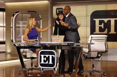 Surprise! @PauleyP stops by the set to wish @KevinFrazier luck on his first day as co-host of #ETnow! #NCIS via Entertainment Tonight's twitpic