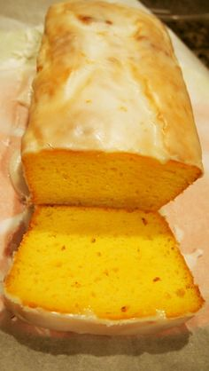 スタバのレモンパウンドケーキ   サワークリーム Lemon Recipes, Sweets Recipes, Fun Desserts, Delicious Desserts, Cake Recipes, Cooking Recipes, Yummy Food, Bread And Pastries, Food Cakes