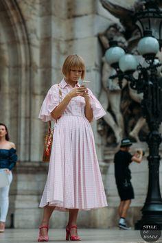 Vika Gazinskaya by STYLEDUMONDE Street Style Fashion Photography20180702_48A5964