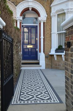 Front Garden Design Company London Wandsworth Fulham Chelsea Contact anewgarden for more information. Victorian Front Garden, Victorian Front Doors, Victorian Terrace, Victorian Hallway, House Entrance, Entrance Doors, Doorway, Victorian Mosaic Tile, Porch Tile