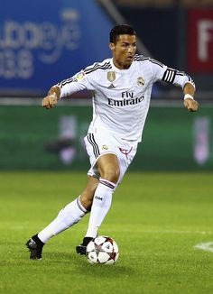 Cristiano Ronaldo of Real Madrid in action during the Dubai Football Challenge match between AC Milan and Real Madrid at The Sevens Stadium on December 2014 in Dubai, United Arab Emirates. Cristiano Ronaldo 2014, Cristino Ronaldo, Ronaldo Real Madrid, Real Madrid Football, Ronaldo Free Kick, Football Challenges, Ronaldo Junior, Cr7 Wallpapers, Good Soccer Players