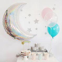 Moon & Stars✨  お友達を招いたバースデーパーティー✨  月と星をメインに  デコレーション  ・  シルバーを基調とした空間に  ピンクとブルーを差し色に♡  ・  ホームページはプロフィール欄のリンクからご覧いただけます。  #チェルシーチップス #chelsea_chips #chelseachips