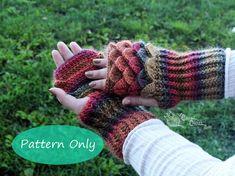 PATTERN ONLY Crochet Dragon Scale Gauntlets PDF por CrownedCrochet