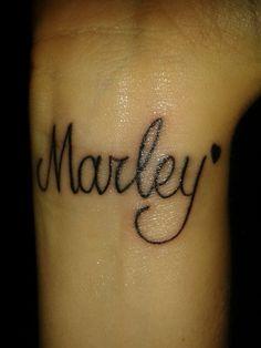 Tatoeage naam dochtertje op pols! Marley!