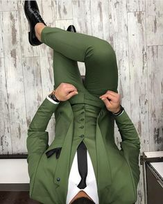 """Men Clothing mensuitsteam: """"Harun Tarz ✔️✔️ """" - Tap the link to shop on our official online store! You can also join our affiliate and/or rewards progra Men Clothing Source : mensuitsteam: """"Harun Tarz Mens Fashion Suits, Mens Suits, Mode Costume, Designer Suits For Men, Herren Outfit, Mode Masculine, Suit And Tie, Well Dressed Men, Gentleman Style"""