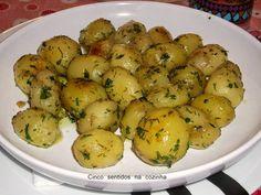 Cinco sentidos na cozinha: Batatinhas salteadas em manteiga e ervas aromática...