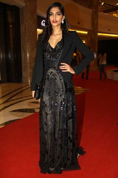 Sonam Kapoor Style: Bollywood Celeb Style: Sonam Kapoor in Roberto Cavalli