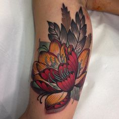 Con @nicktatmachines @vegantattoo #lotus #lotusflower #lotustattoo #neotrad…