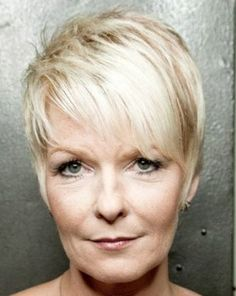 blonde+pixie+haircut+for+older+women