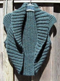 Ravelry: Ribbed Vest pattern by Sarah Punderson. Made it, unfortunately not very flattering.